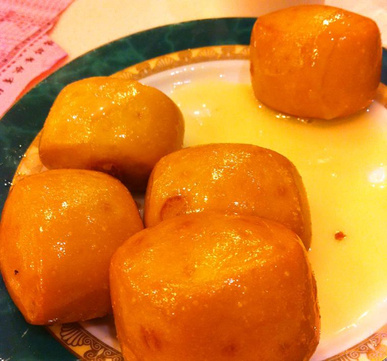 德林酸菜魚火鍋炸饅頭