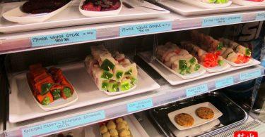 烤串基本上就是各種魚肉,每一串都很大隻