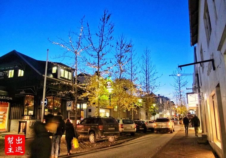 在寒冷的首都街頭漫步,感覺很新鮮