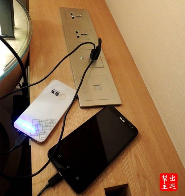 當我把許多電子設備取出來充電時,又可以看出方便性
