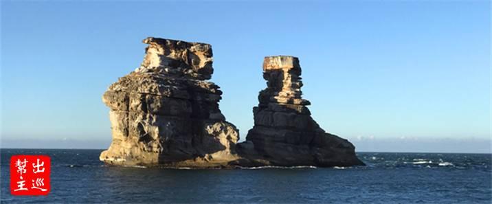 出港後第一個景點就是知名的『燭台雙嶼』