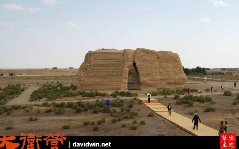 四方形的城關,上有女牆,下有馬道,體積不大真看不出絲毫昔日大漢盛世的氣勢