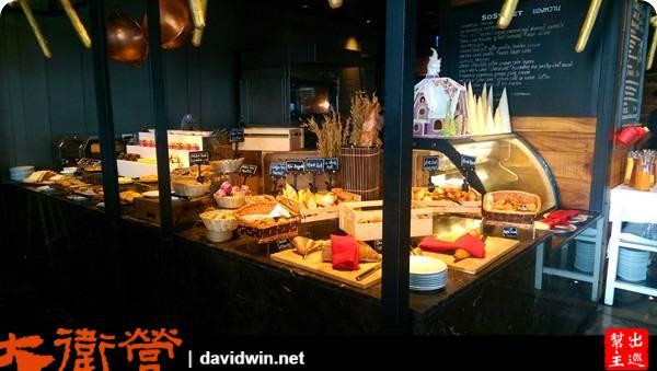 So/ Bangkok的餐廳佔地超大,然後滿滿的各種各國料理