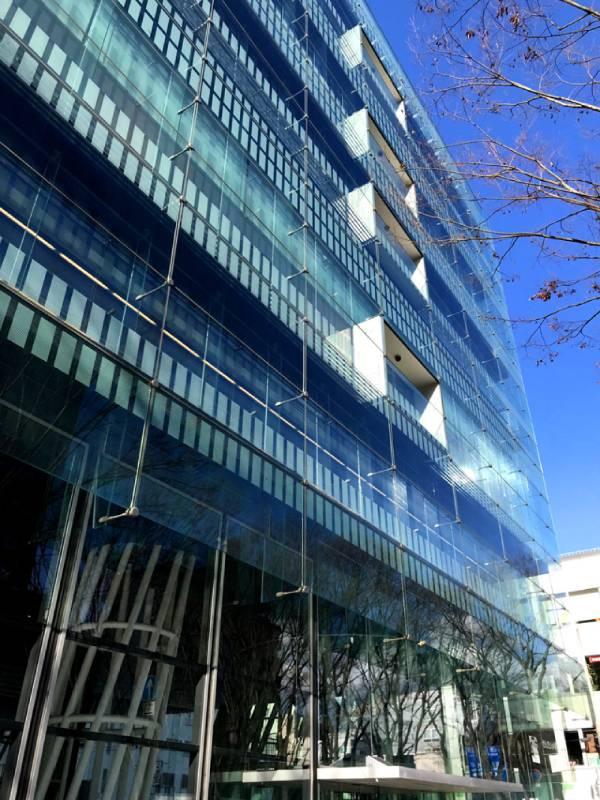 『仙台媒體中心』這個建築物是伊東豐雄所設計的公共設施