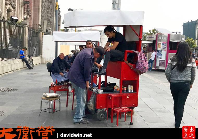墨西哥街頭擦鞋攤位