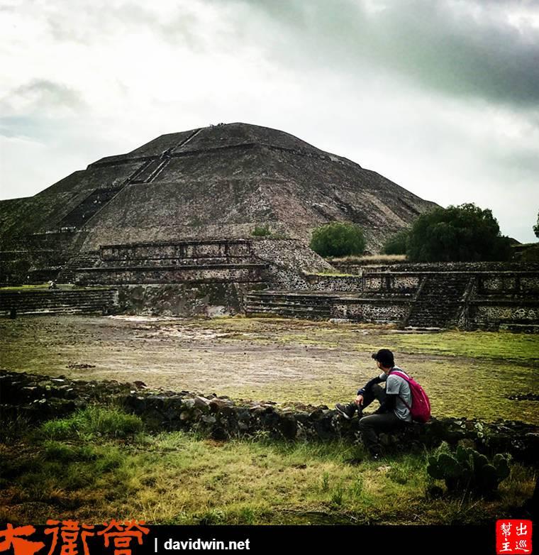 太陽金字塔奧蒂瓦坎人在西元前100年完成建造,是目前全世界第三大的金字塔