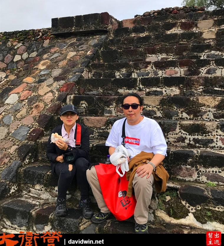 早就做過功課,帶著墨西哥城買的麵包,找個遺跡的角落坐著歇歇腿