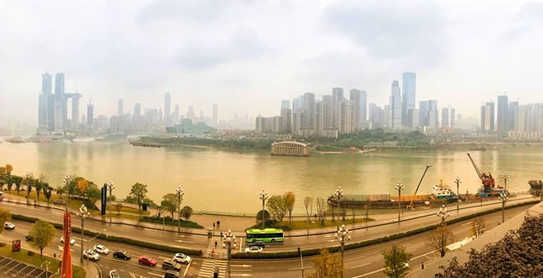 重慶,人口有超過3000萬,有江城、山城、霧都的別稱。