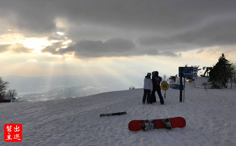滑雪道的起點,滑雪的高手會從這裡一路往下滑
