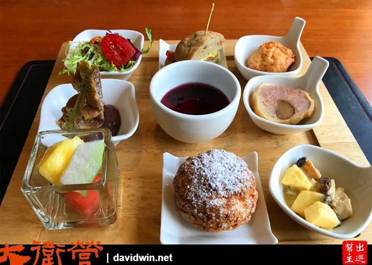 九宮格下午茶的內容,有鹹食也有甜食