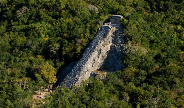 叢林中的Coba金字塔更原始
