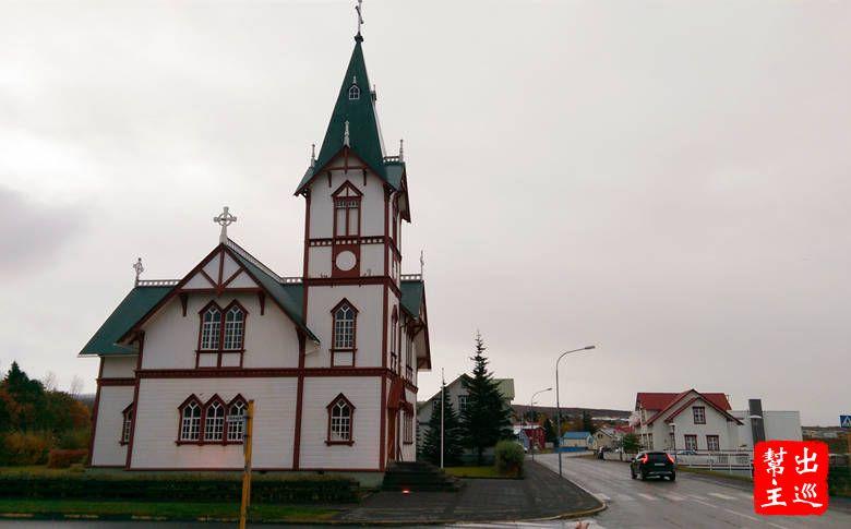 清晨的北方漁港真的好寧靜安詳,再次走到靜靜佇立在路口的教堂