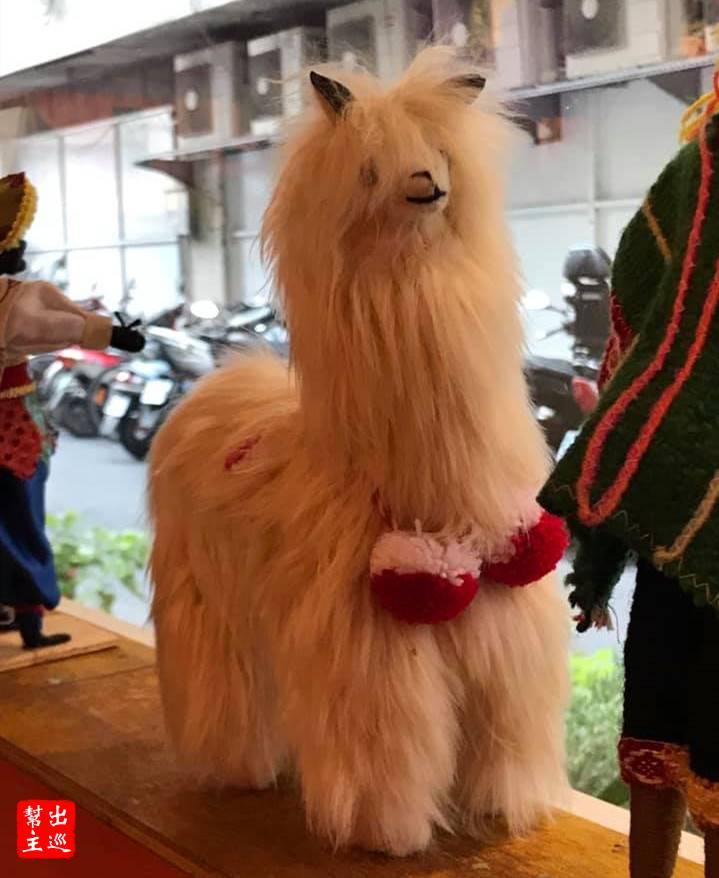 特色披肩服飾與羊駝都是最能代表祕魯的