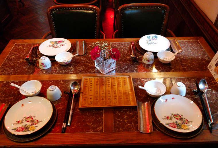 上海老站車廂內用餐