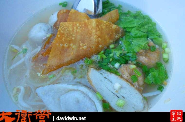 曼谷街頭米粉湯