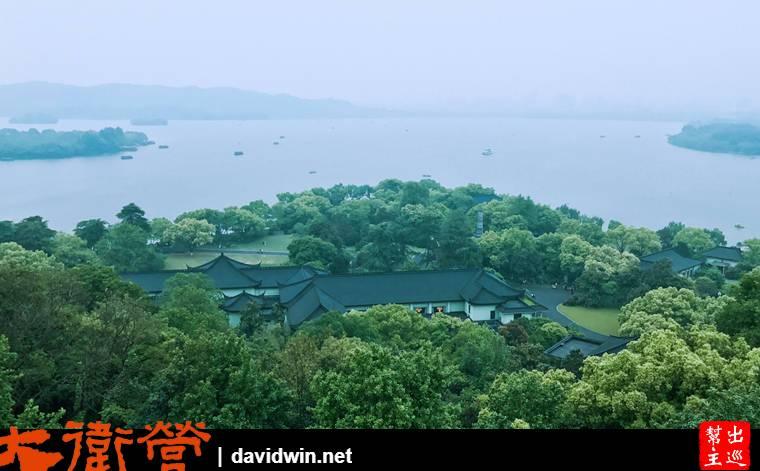 杭州西湖雷峰塔遙望西湖