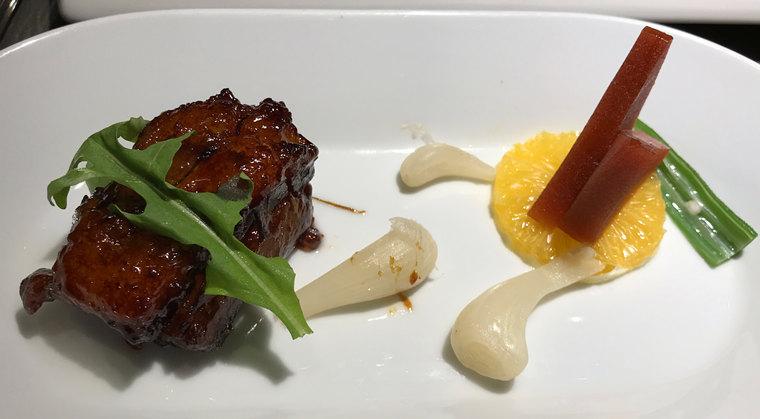 浙江杭州西湖嘉里中心豬爸餐廳招牌紅燒肉