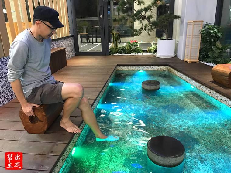 礁溪全新日式現代風溫泉體驗:葛瑪蘭風呂會館小魚咬腳皮