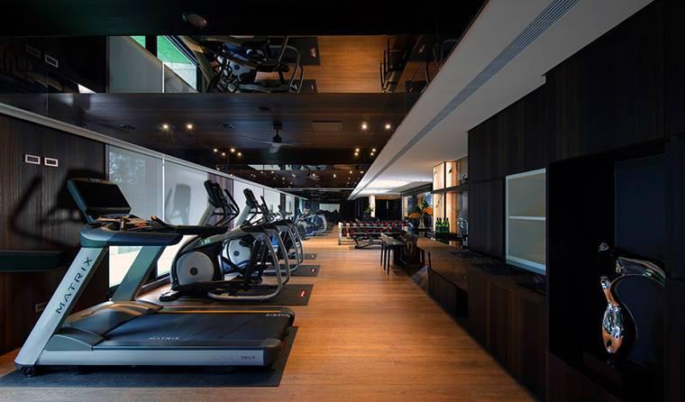 國泰層峰健身房