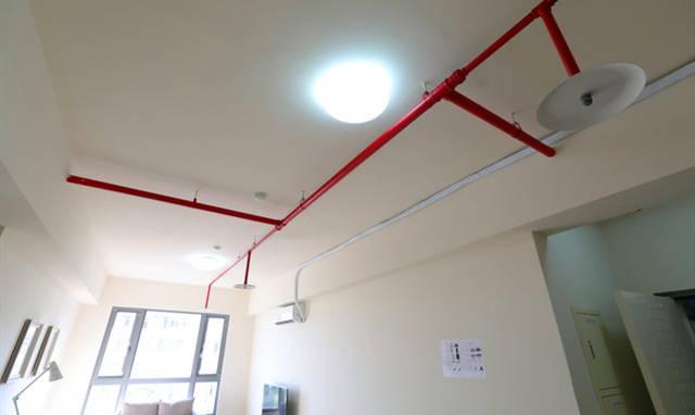 消防法規規定,11樓以上樓層設置自動灑水系統