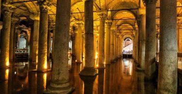 【土耳其|伊斯坦堡】封印女妖美杜莎的地下水宮殿:Yerebatan Sarnıcı