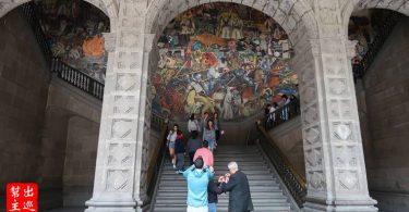 墨西哥國寶級壁畫家迪亞哥·里維拉Diego Rivera巨幅壁畫『The History of Mexico』