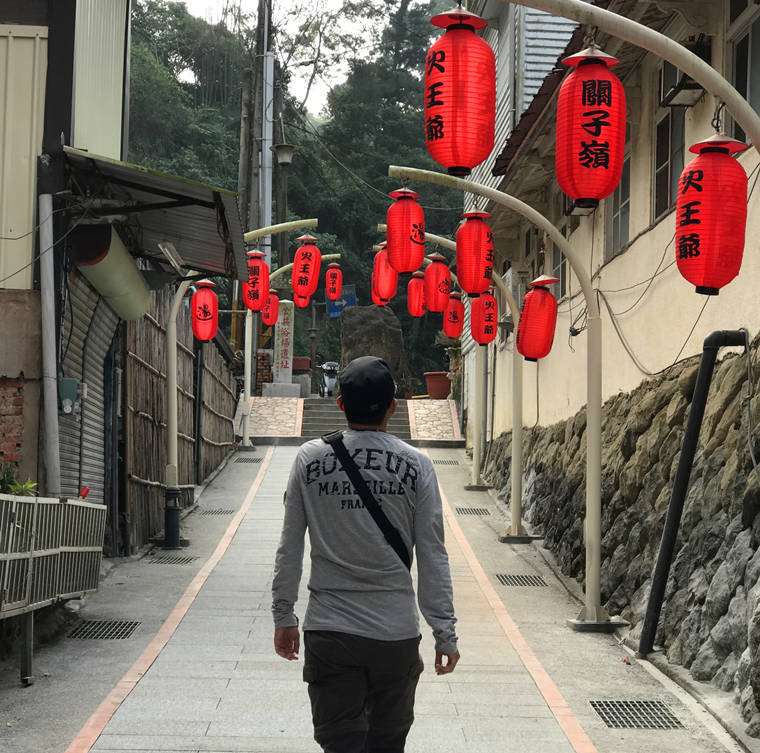 關子嶺日式燈籠隧道